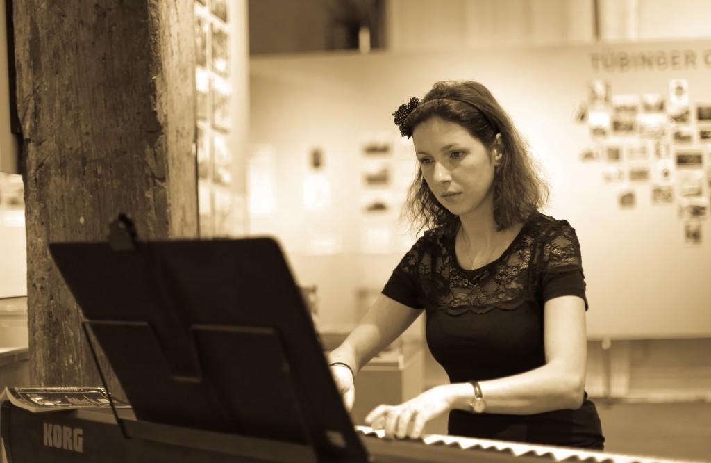 La pian...Ioana Radu!